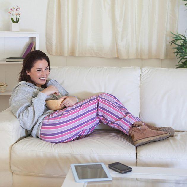 b3f0ac20e244dea6_woman-on-couch.jpg.xxxlarge