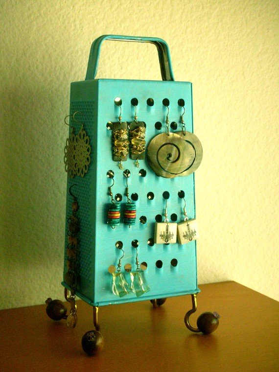 Cheese-Grater-Earring-Stand