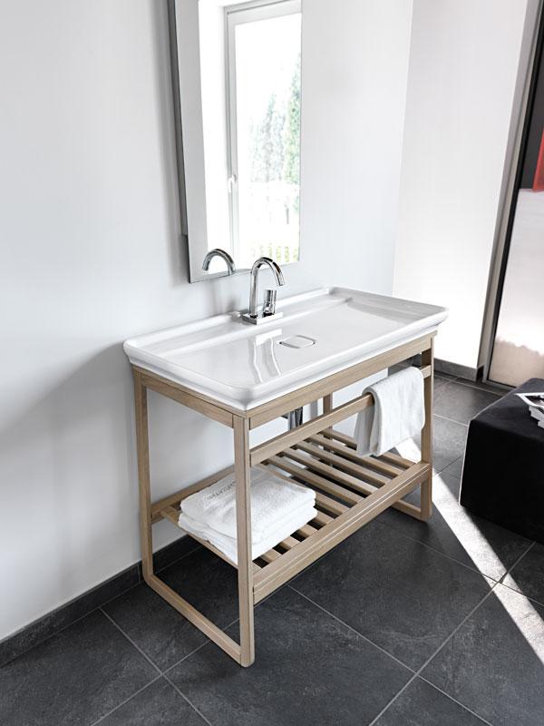 Creativity-Into-The-Bathroom-Grey-Floor-Ideas