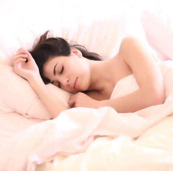 κοιμάσαι-στα-ίδια-μαξιλάρια-για-καιρό