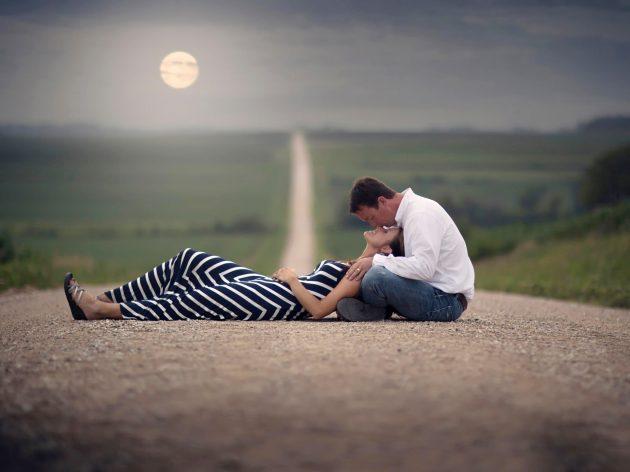 Love-Couple-Romance-Kiss-Road-HD-Wallpapers