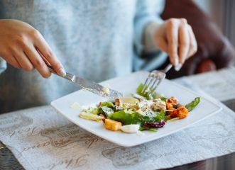 Αν θες να νικήσεις το λίπος στην κοιλιά, άρχισε να προσθέτεις αυτό το υλικό στην διατροφή σου!