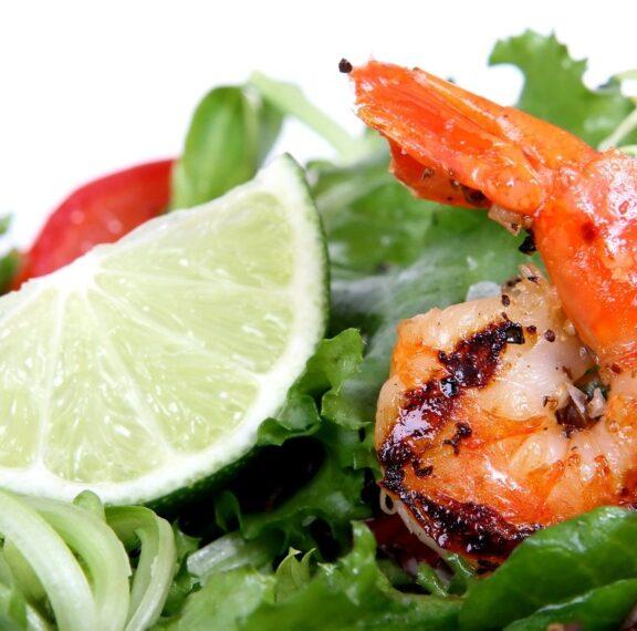 γαρίδες-με-σάλτσα-αβοκάντο-μία-ιδιαίτ