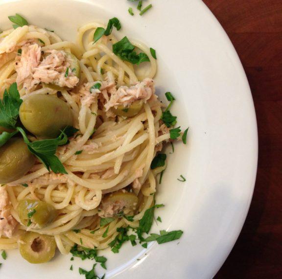 spaghetti-οrecchiette-με-πράσινες-ελιές-plus-πράσινες-ή-μα
