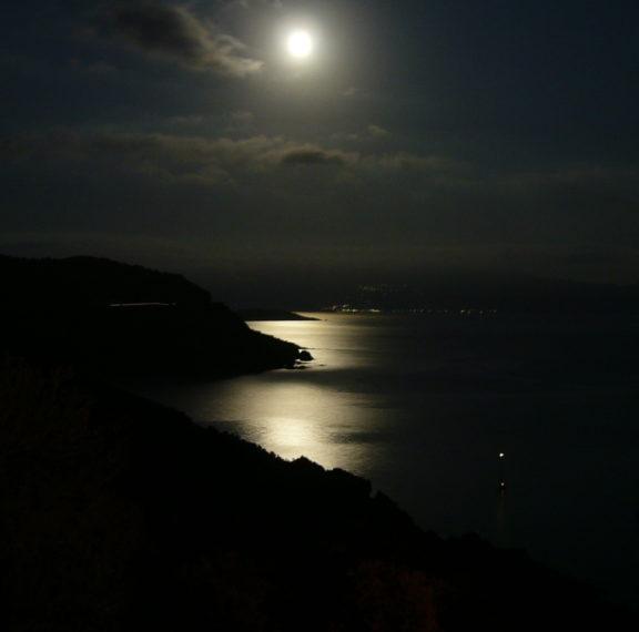 πανσέληνος-και-έκλειψη-σελήνης-σήμερ