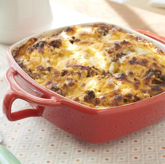 λουκάνικα-με-αυγά-και-τυρί-στο-φούρνο