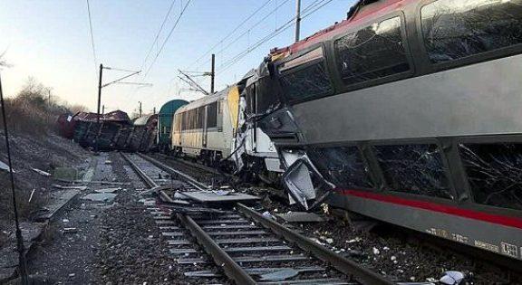 τρένα-συγκρούστηκαν-στο-λουξεμβούργ