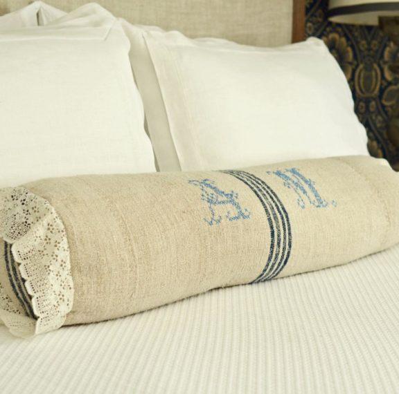 deco-αλλιώτικα-μαξιλάρια-στο-κρεββάτι-σα