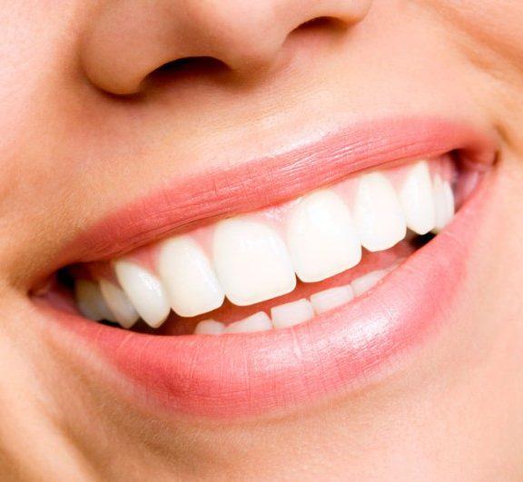 σπιτική-οδοντόκρεμα-με-μαγικό-λάδι-κα