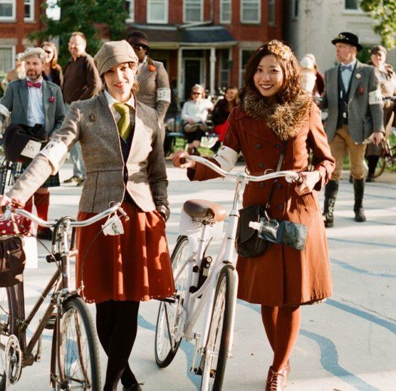 για-άλλη-μια-χρονιά-παίρνουμε-τα-ποδήλ