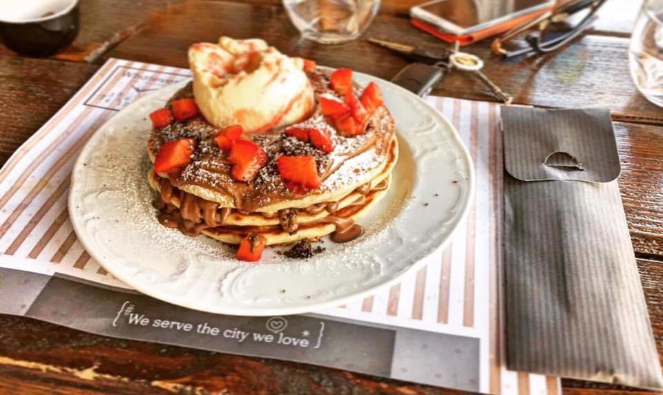 Ανακαλύψαμε τα στέκια που σερβίρουν τα πιο γευστικά pancakes της πόλης 5d8afa348e8
