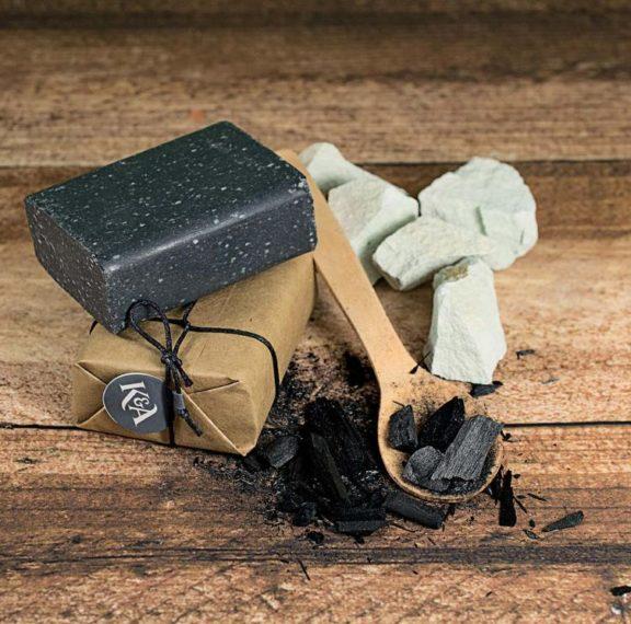 δοκιμάστε-το-σαπούνι-με-ενεργό-άνθρακ