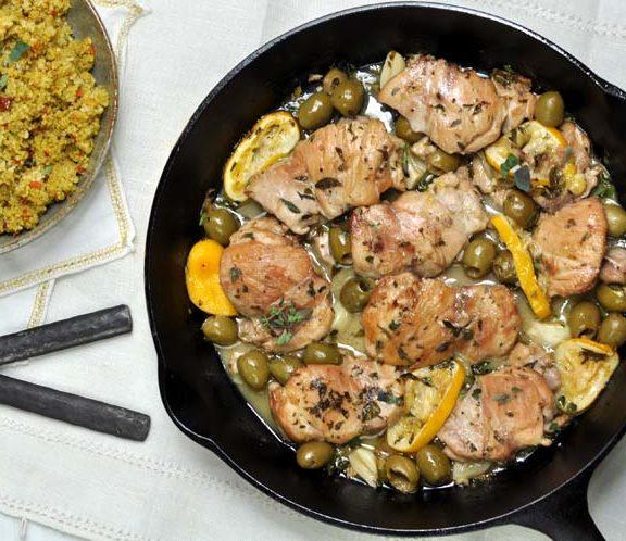 κοτόπουλο-στο-τηγάνι-με-φέτα-και-ελιές