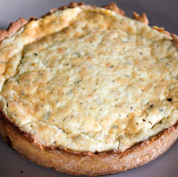 εύκολη-και-γρήγορη-πίτα-με-τυρί-η-συντα