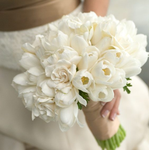 12-ιδέες-στολισμού-γάμου-με-λευκές-τουλί