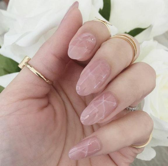 quartz-nails-το-μανικιούρ-που-θα-κάνει-τα-νύχια-σ