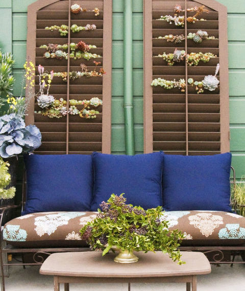 deco-tips-λουλούδια-στα-παντζούρια
