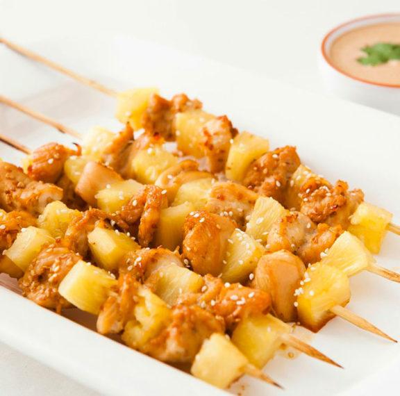 εύκολα-σουβλάκια-κοτόπουλου-με-ανανά