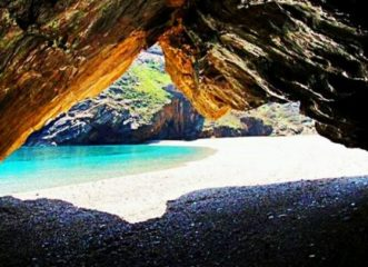 ποια-είναι-η-μαγική-παραλία-της-εύβοια