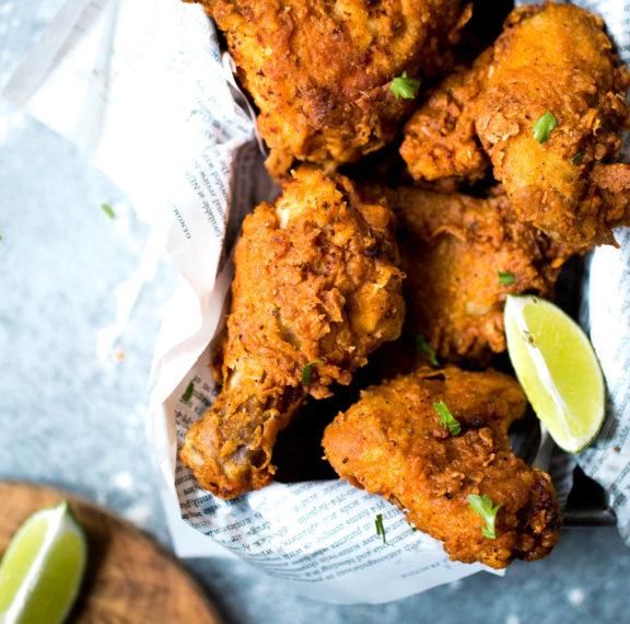 τραγανό-κοτόπουλο-στο-τηγάνι-plus-τι-μας-π