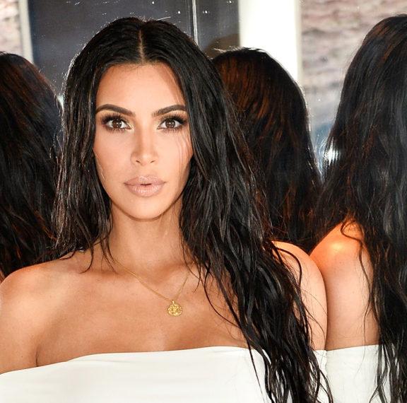 η-kim-kardashian-για-άλλη-μια-φορά-στο-προσκήνιο-έκ