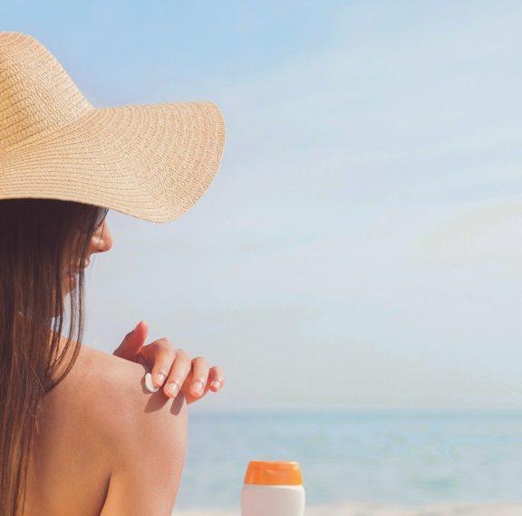 φροντίστε-το-δέρμα-σας-μετά-την-ηλιοθε