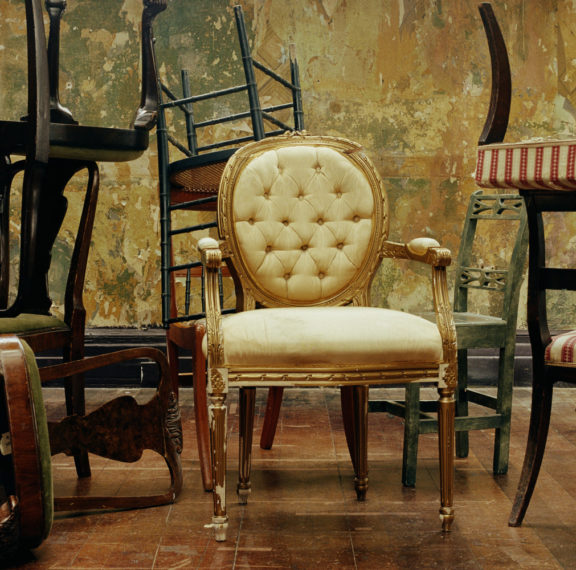 painted-furniture-πώς-θα-δώσεις-νέα-πνοή-στα-παλιά-σου