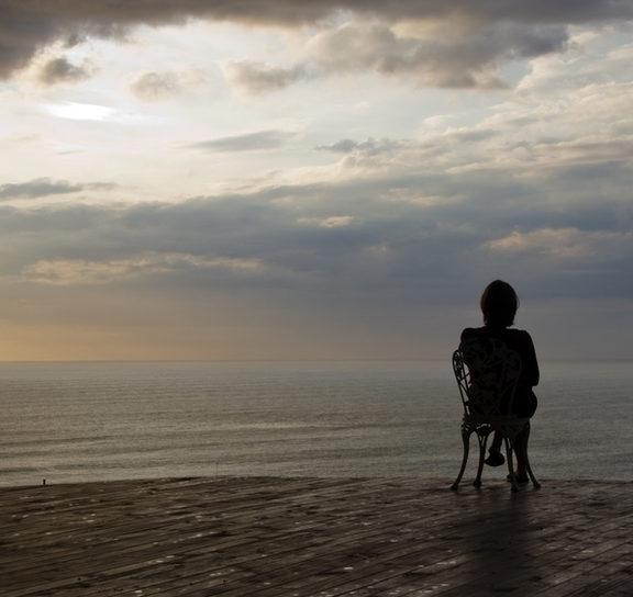 πώς-βλάπτει-η-μοναξιά-την-υγεία-δείτε