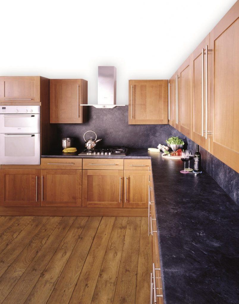σκούρες αποχρώσεις στη κουζίνα