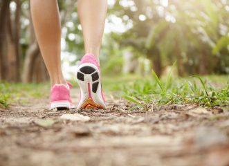 5 εκπληκτικά πράγματα που θα συμβούν στο σώμα σου αν περπατάς 30 λεπτά κάθε μέρα