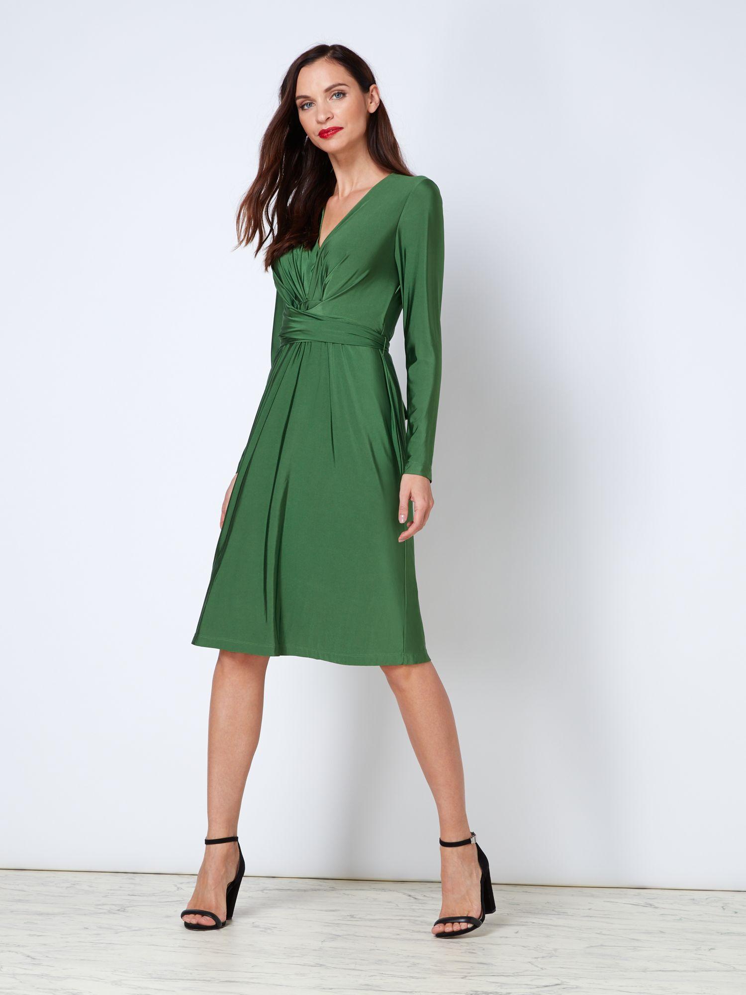 86db7202e1e9 Μάταια τα fashion icons ανά τον κόσμο προσπαθούσαν να αποκτήσουν το διάσημο  φόρεμα της Κέιτ Μίντλετον