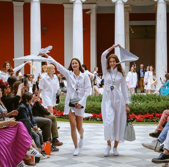 το-λαμπερό-fashion-show-της-folli-follie-για-τη-σεζόν-άνοιξη