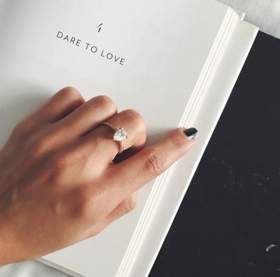 πρόταση-γάμου-ζήτα-της-να-γίνει-γυναίκ