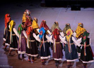 ένα-μεγάλο-γλέντι-με-παραδοσιακούς-χο