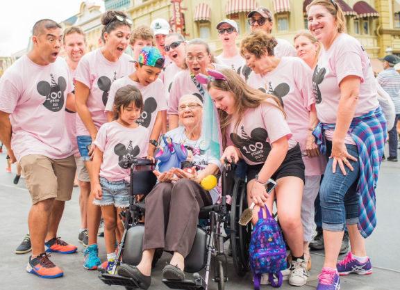 η-γιαγιά-που-γιόρτασε-τα-100ά-της-γενέθλι