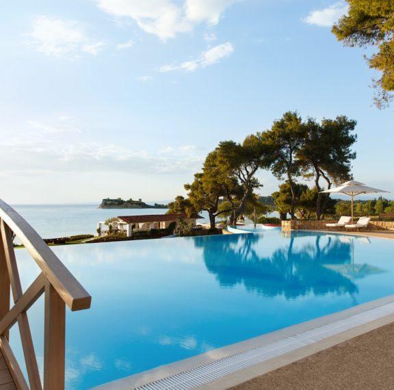 αυτό-είναι-το-ελληνικό-ξενοδοχείο-που