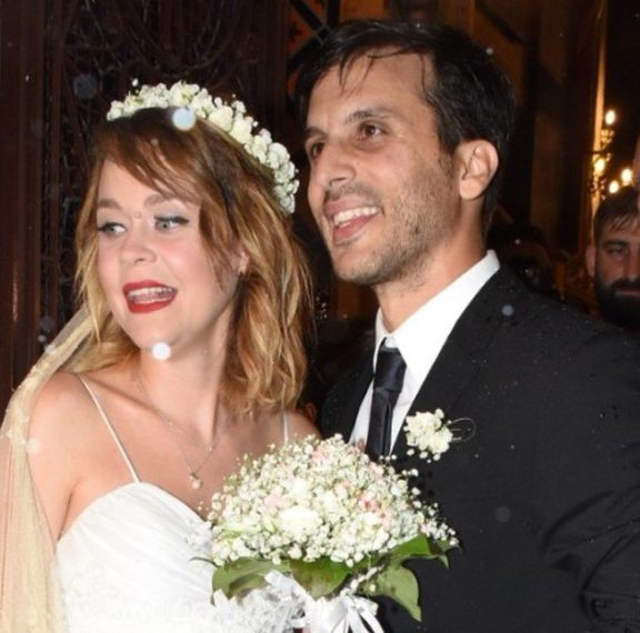 ο-ρομαντικός-γάμος-της-λένας-παπαληγο