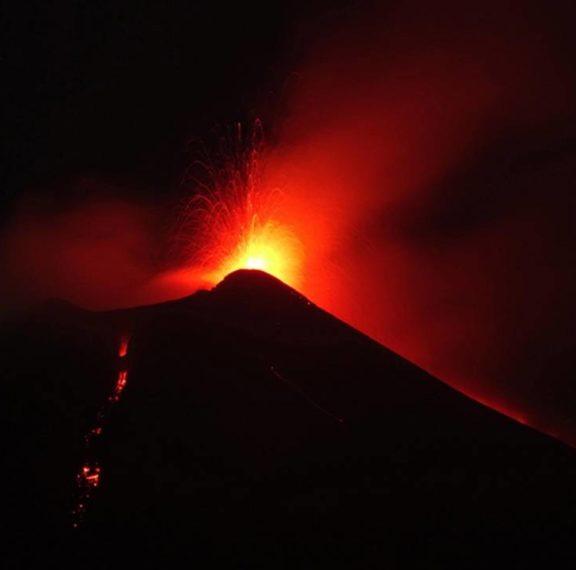 η-αίτνα-το-μεγαλύτερο-ενεργό-ηφαίστει