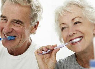 προσοχή-στη-στοματική-υγεία-των-ηλικι