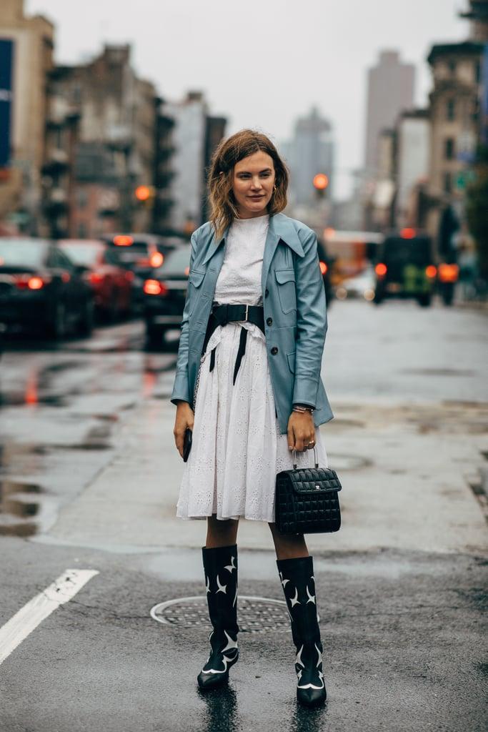 ca9c7504b24 10+2 τρόποι να συνδυάσετε φούστα με μπότες ανεξάρτητα από την περίσταση