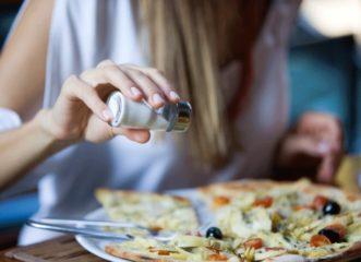 χρειάζεται-αλήθεια-να-τρώμε-λιγότερο