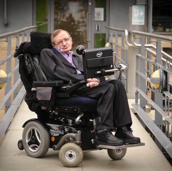 στο-σφυρί-η-αναπηρική-καρέκλα-και-άλ