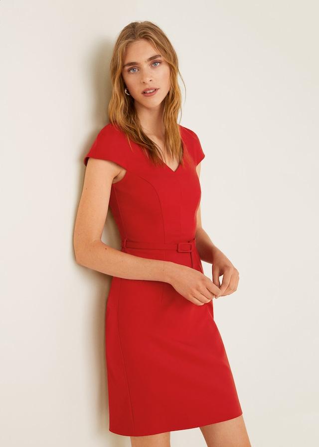 749f7ba51e9d Κάν  το όπως η βασίλισσα Λετίθια – 5 κόκκινα φορέματα για το ...