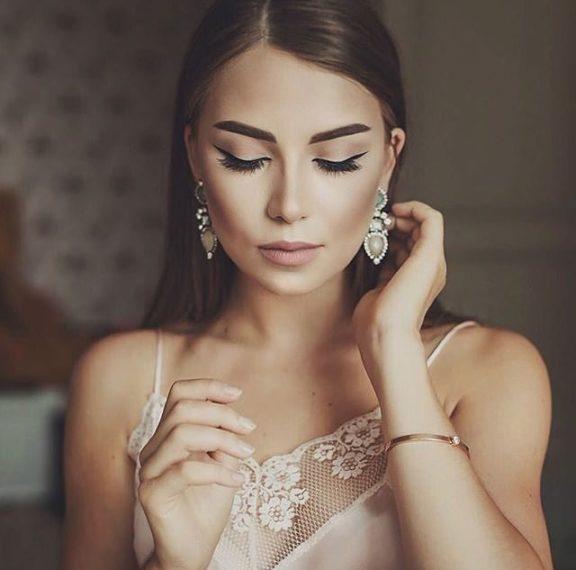 ανακαλούνται-σκουλαρίκια-γνωστής-ετ