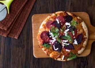ατομικές-πίτσες-με-τέσσερα-τυριά-και-π