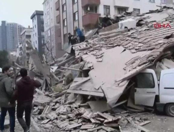 κατέρρευσε-εξαώροφο-κτίριο-στην-κωνσ