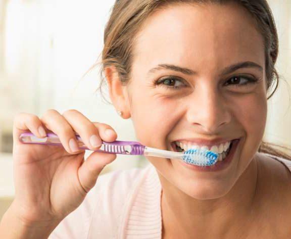 ο-οδοντίατρος-προειδοποιεί-αυτή-η-πρ