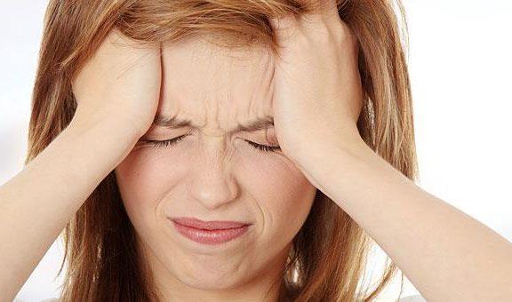 πονοκέφαλος-και-γυναίκες-γιατί-υποφέ