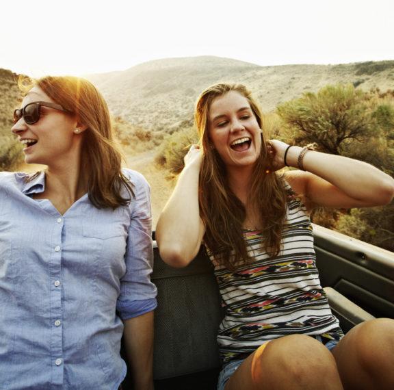 η-ευτυχία-είναι-μεταδοτική-το-λένε-κα