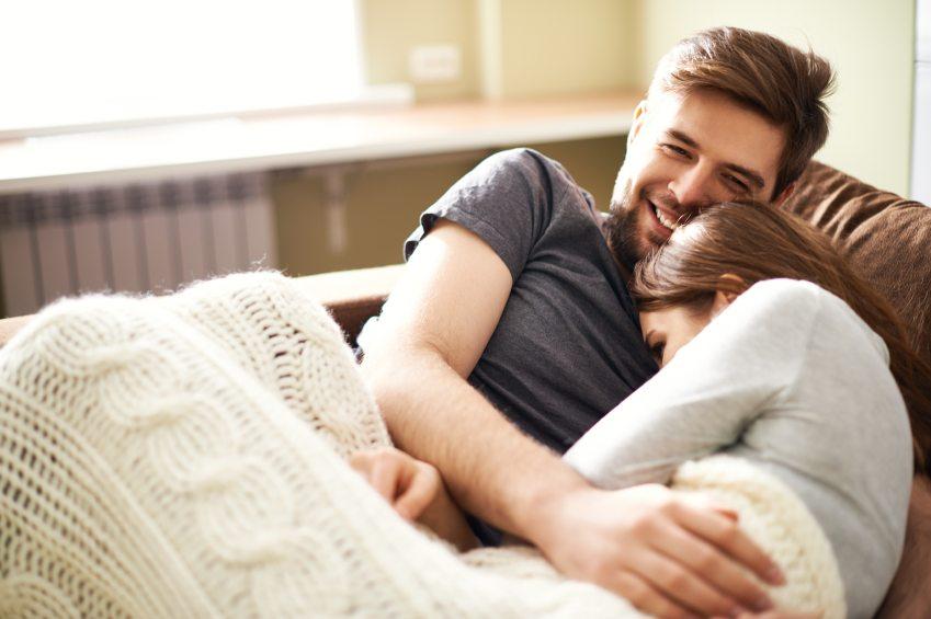 Πώς να αρχίσετε να βγαίνετε μετά από μακρά σχέση